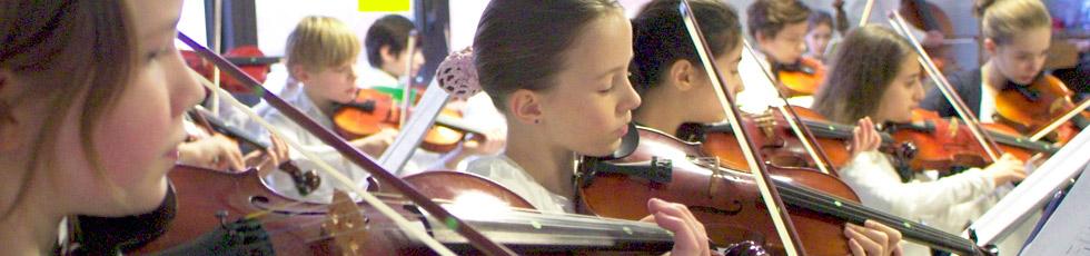 Jugendmusikschule - Streicherklasse in Kooperation mit den Gymnasien ASG und JKG (Foto: Frank Albrecht)